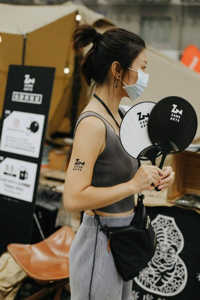 紋身貼紙使用方式 紋身貼紙怎麼用